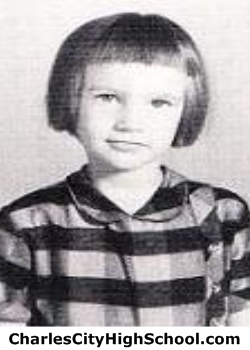 Linda Pace yearbook picture