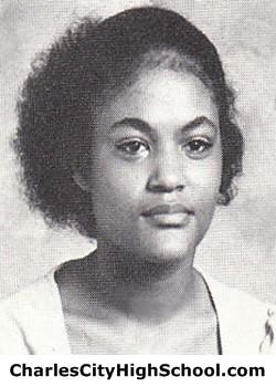 Linda Jones Yearbook Picture