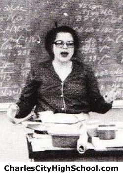 Daphne Walton yearbook picture