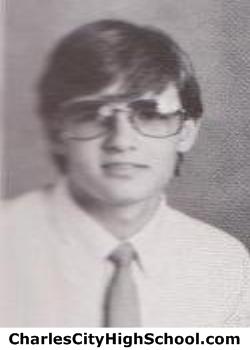 Larry Elliott yearbook picture