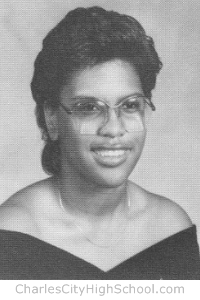 Gina Davis yearbook picture