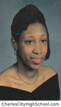 Sharndelle Smith yearbook picture